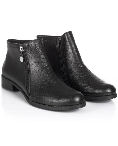 Black booties B765